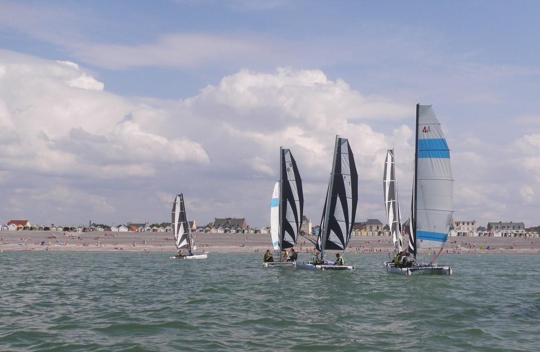 apvp_bateau-et-front-de-mer_Cayeux-sur-Mer<Somme<Picardie