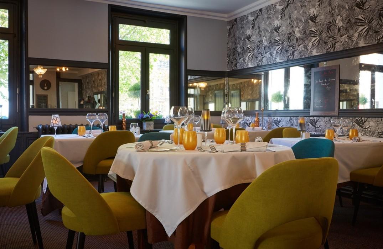 HOTPIC0800010064-La-Colonne-de-Bronze-restaurant-St-Valery-sur-Somme-Somme-HautsdeFrance