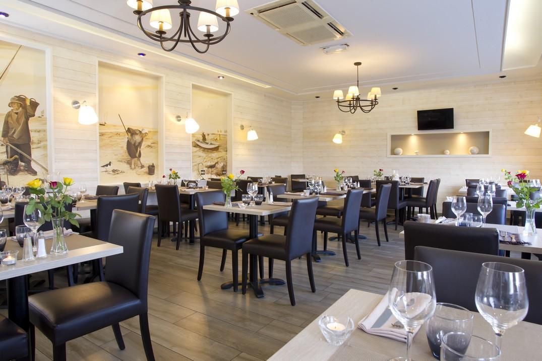 HOTPIC080V507W4G_LePort_salle restaurant_St Valery sur Somme_Somme_HautsdeFrance