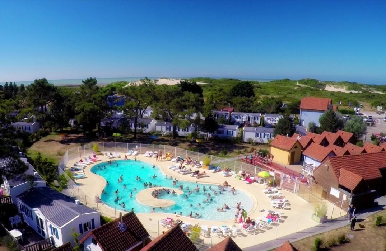 HPAPIC0800010523_Les galets de la Mollière_vue piscine_Cayeux sur Mer_Somme_Picardie