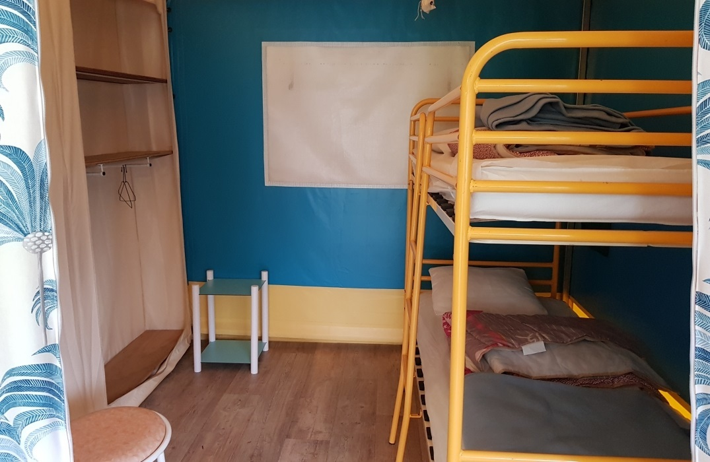 HPAPIC080FS00067_Camping les Etangs_couchage tente_St Valery_Somme_HautsdeFrance