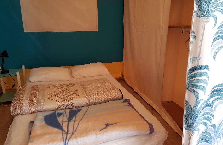 HPAPIC080FS00067_Camping les Etangs_couchage tente2_St Valery_Somme_HautsdeFrance