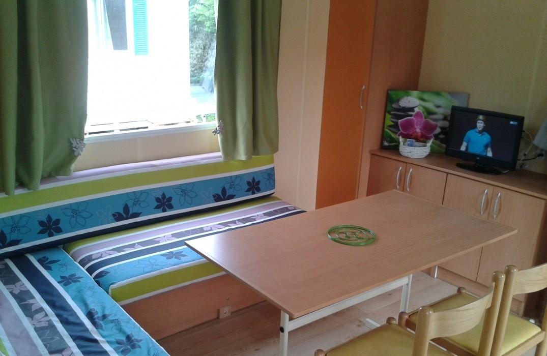 HPAPIC080FS00067_Camping les Etangs_int mobil home2l_Saint-Valery-sur-Somme_Somme_Picardi