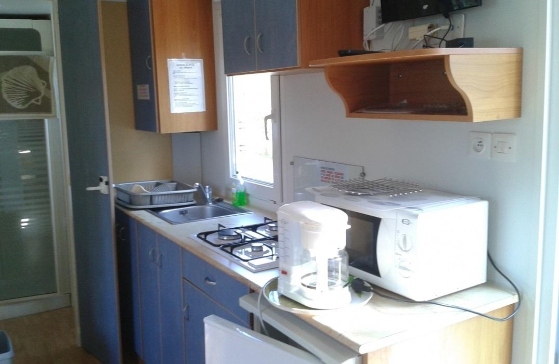 HPAPIC080FS00067_Camping les Etangs_kitchen_St Valery_Somme_HautsdeFrance