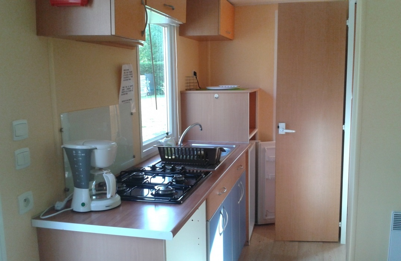 HPAPIC080FS00067_Camping les Etangs_kitchen2_St Valery_Somme_HautsdeFrance