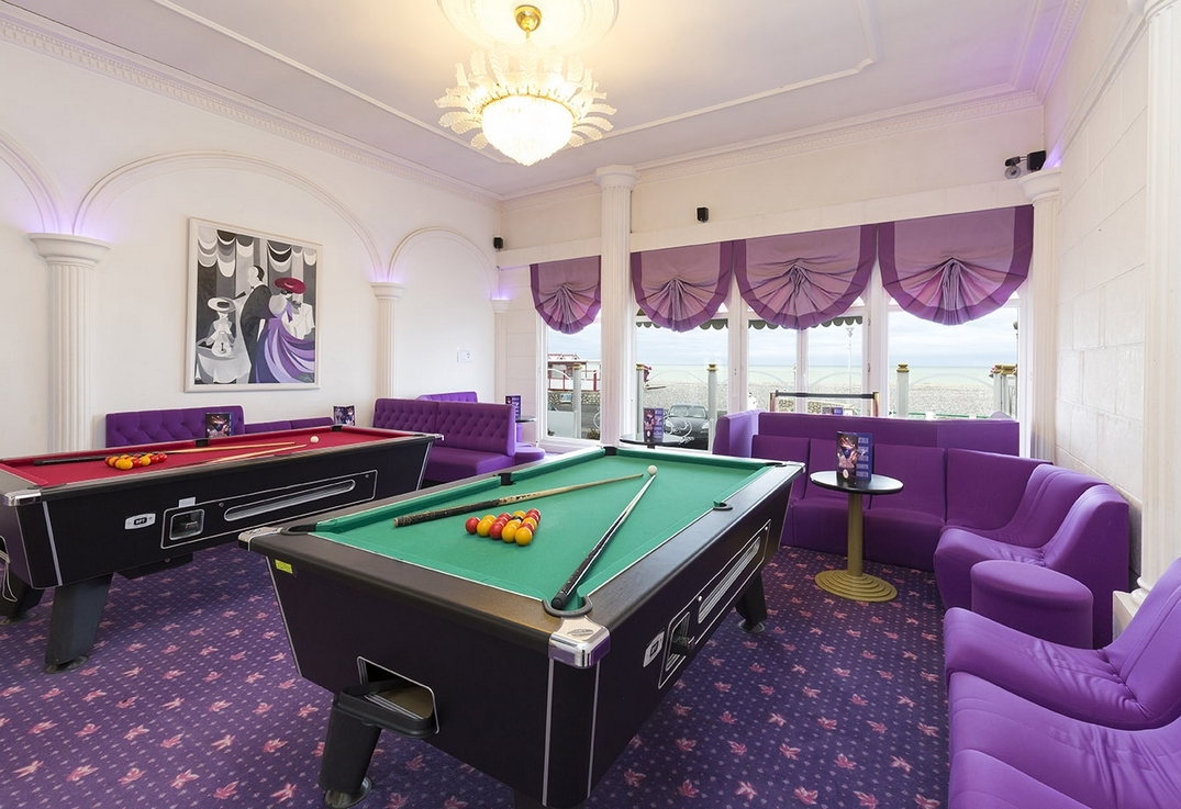 Salon-Billards